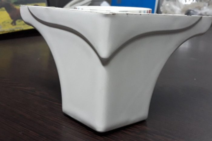 پایه مبل ال تاجدار سفید ۱۰ سانت سفید و قهوه ای