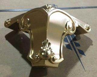 پایه مبل منبت ۱۲ پودری طلایی